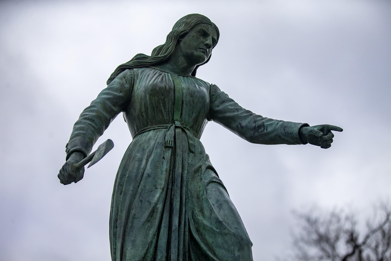 The Hannah Duston statue in G.A.R. Park in Haverhill. (Jesse Costa/WBUR)