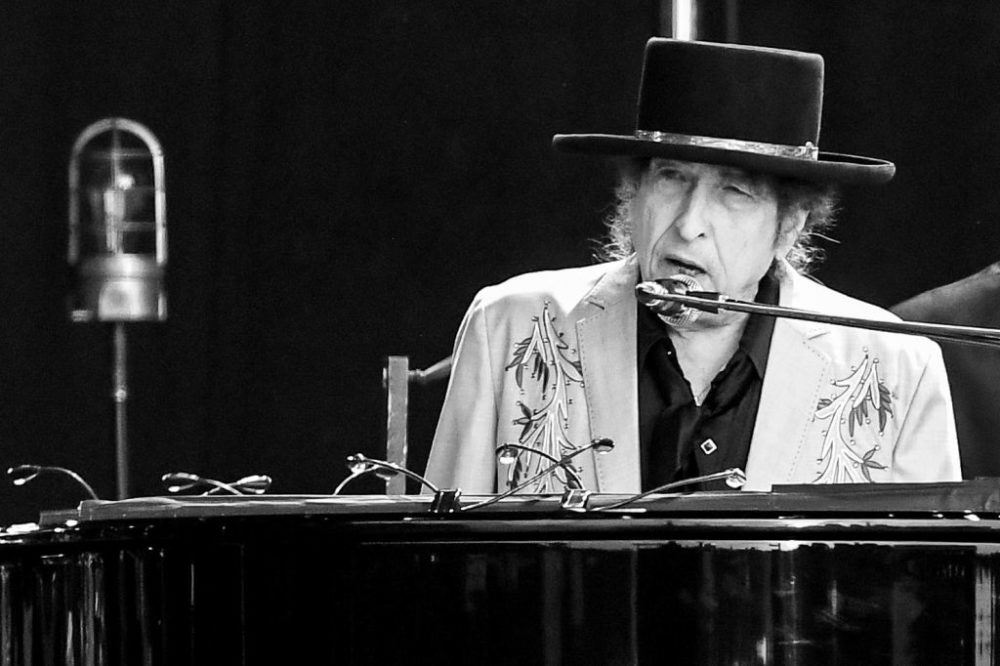 Bob Dylan performs as part of a double bill with Neil Young at Hyde Park on July 12, 2019 in London, England. (Dave J. Hogan/Getty Images for ABA)