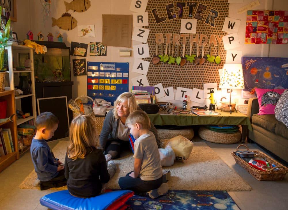 Pre-school teacher Jennifer Snow, center, speaks to the children in the classroom at Silverado Children's Center in Silverado Canyon on Thursday, January  12, 2017.  (Leonard Ortiz/Digital First Media/Orange County Register via Getty Images)