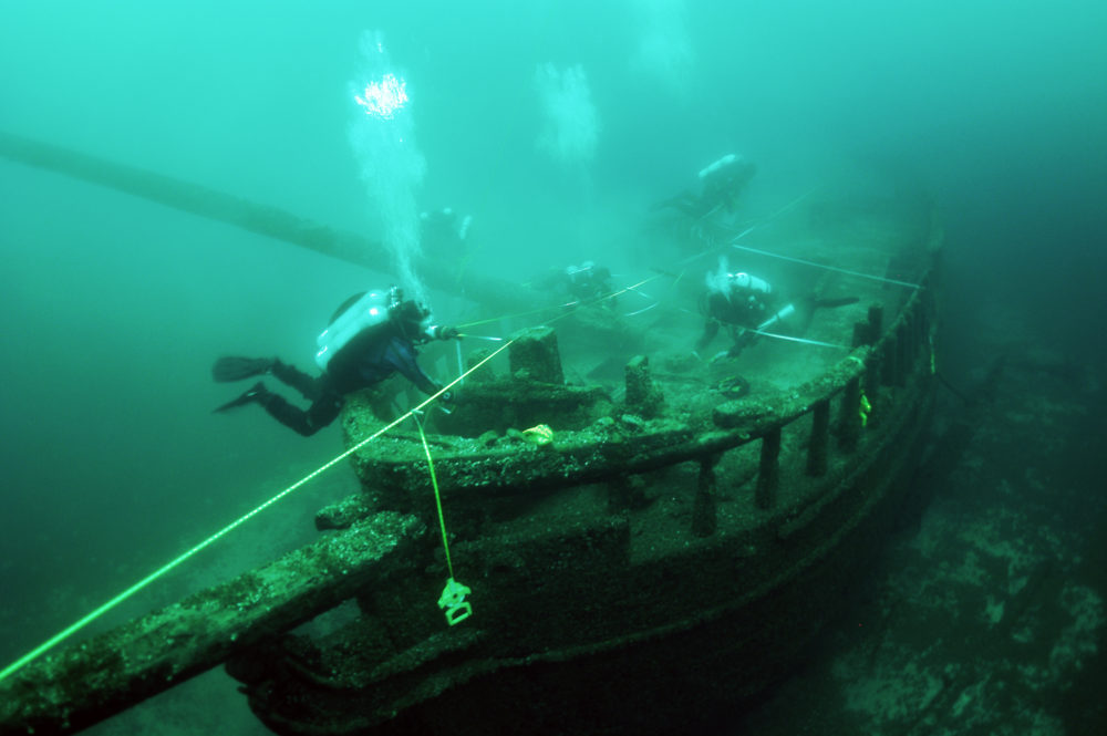 Maritime archaeologists working during the 2011 survey. (Wisconsin Historical Society)