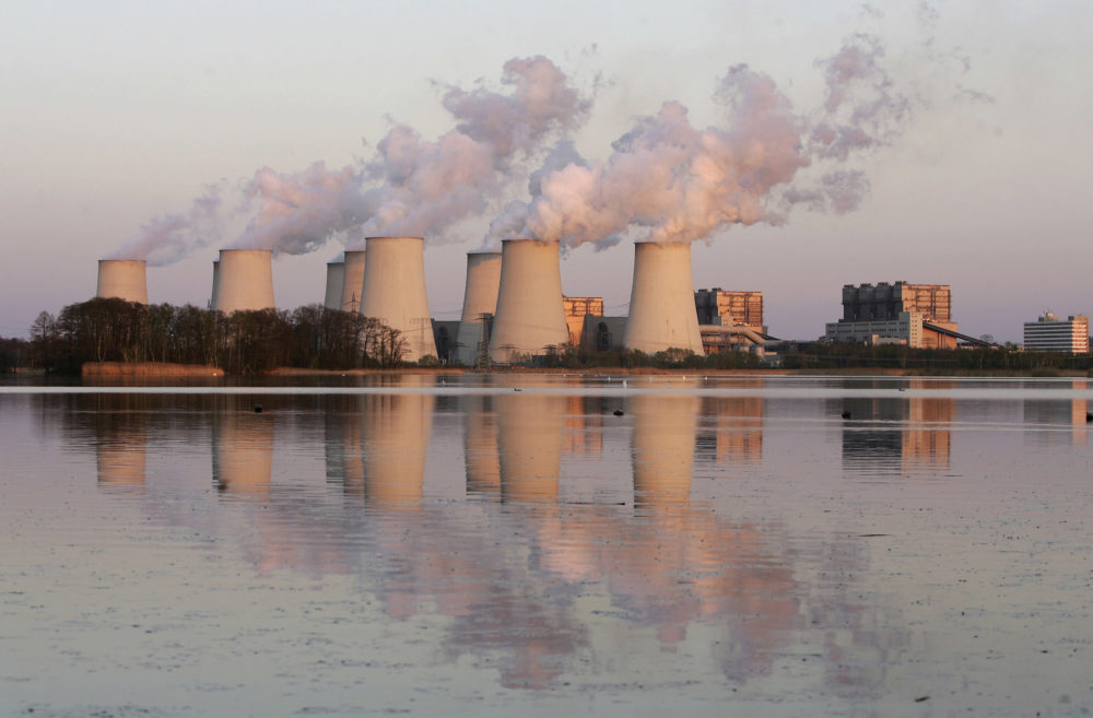 Exhaust plumes from cooling towers a a coal-fired power station in Germany. (Sean Gallup/Getty Images)