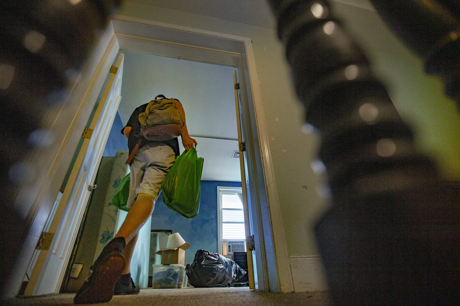 Mike Totten moves into his new room in Allston.  (Jesse Costa / WBUR)