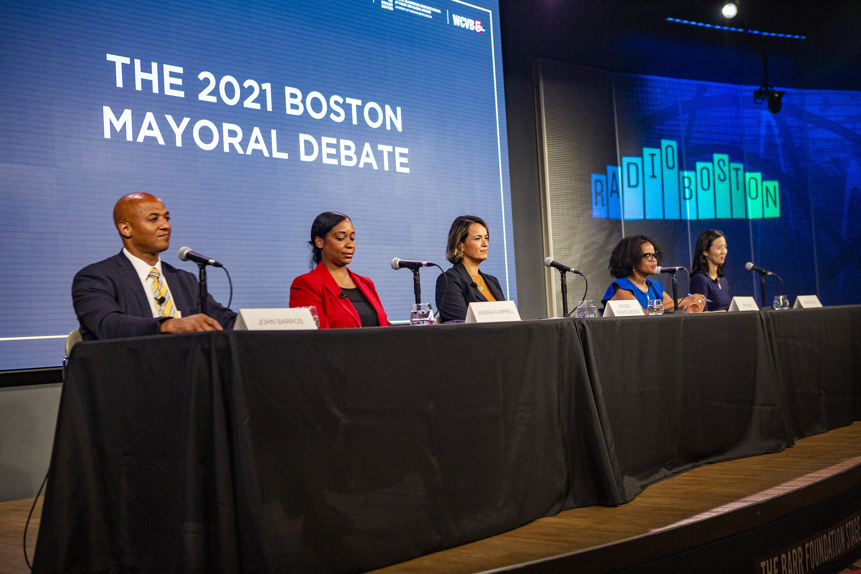 The candidates for mayor of Boston prepare for the debate at WBUR's CitySpace. (Jesse Costa/WBUR)