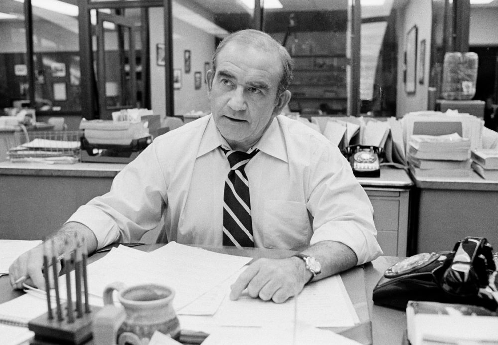 """Ed Asner behind his desk on the television drama """"Lou Grant"""" in Los Angeles, Jan. 13, 1978.  (AP Photo)"""