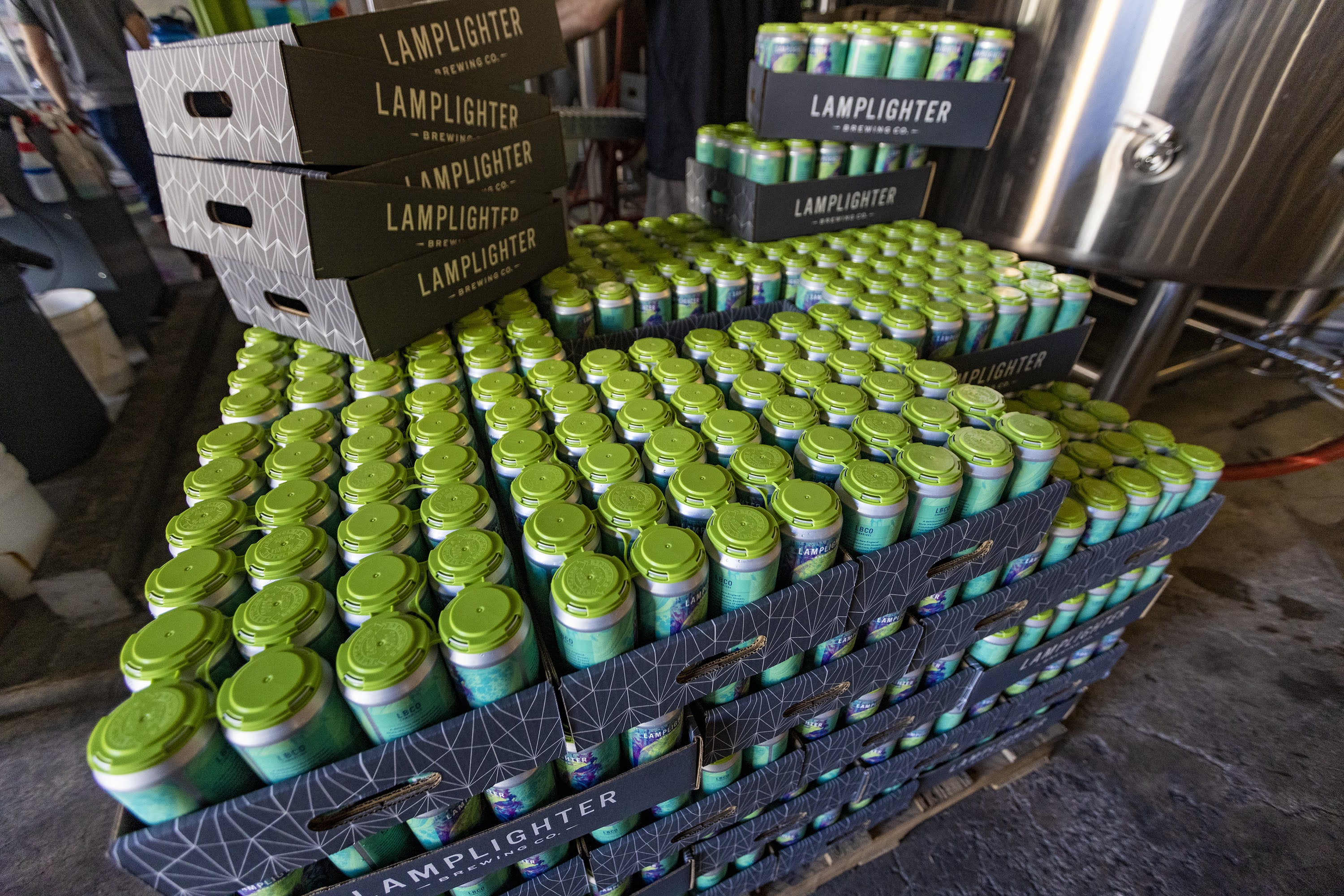 wbur.org - Bruce Gellerman - Craft beer has a plastic problem. Some local breweries are finding solutions
